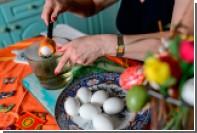 Баба с яйцами станет главным героем нового романа Пелевина