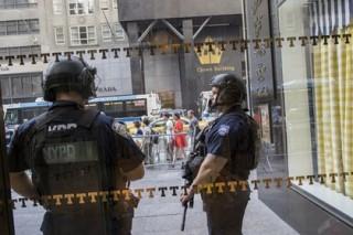 В Нью-Йорке мужчина принял евреек за мусульманок и побил их