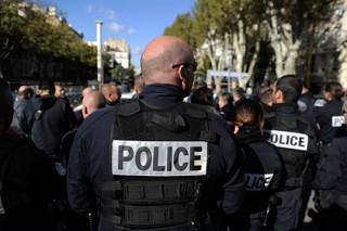 Американских туристок облили кислотой в Марселе