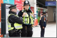 Полиция в Лондоне оцепила часть делового центра из-за подозрительного пакета