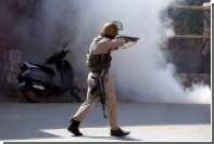 В индийском Кашмире боевики атаковали министерский конвой
