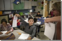 Учительницу из США уволили за обучение младшеклассников нацистскому приветствию