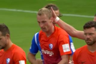 Немецкий футболист признался в симуляции и попросил судью отменить пенальти