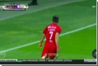 Мексиканский футболист забил победный гол ударом через себя с линии штрафной
