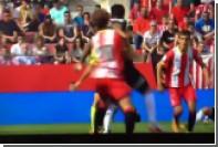 Испанский судья уклонился от футбольного мяча в стиле «Матрицы»