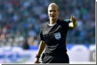 Матч чемпионата Германии по футболу впервые обслужила женщина-арбитр