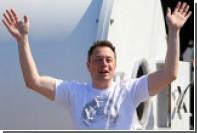 Илон Маск подарил пятитысячному покупателю «скучной кепки» еще одну такую же