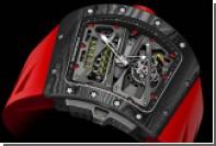 Richard Mille посвятил гонщику Алену Просту часы с титановыми винтами