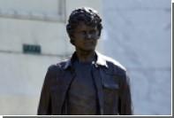 В Лос-Анджелесе установили памятник актеру Антону Ельчину