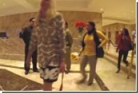Ким Чен Ын поприветствовал посетителей небоскреба Трампа