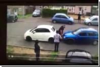 Культурист голыми руками убрал с дороги мешавшую ему машину