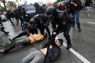 Каталония потребовала от ЕС осудить Испанию за вмешательство в референдум