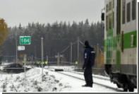 Финский пассажирский поезд столкнулся с военным грузовиком