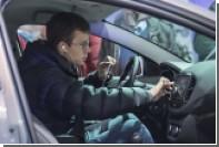 Россияне продолжили активно скупать новые автомобили