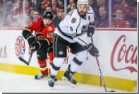 Хоккеисту НХЛ порезали лицо коньком