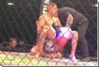 Боец MMA победил соперника болевым приемом на спину