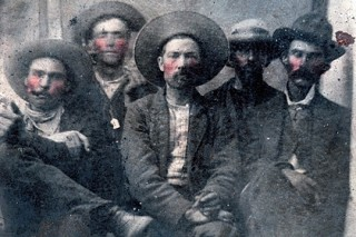 На барахолке нашли стоящее миллионы долларов фото американского бандита