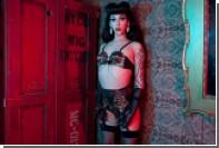 Британцы подрядили трансвестита рекламировать женское белье