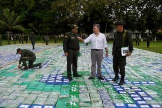 Президент Венесуэлы предложил колумбийскому коллеге употреблять кокаин
