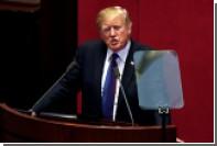 Трампа заподозрили в неумении читать