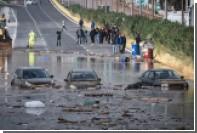 Залившее Афины смертоносное наводнение попало на видео