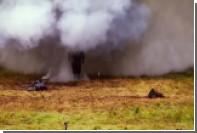 Россиянка прогулялась по минному полю в костюме «Ратник» и пережила взрывы