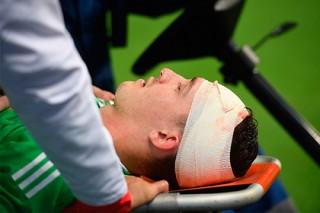 Названы сроки восстановления получившего ногой по голове вратаря сборной России