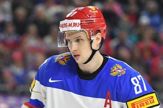 Изгнанный из НХЛ россиянин отличился в первом матче после возвращения домой
