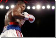 Непобежденный боксер-тяжеловес дисквалифицирован за допинг