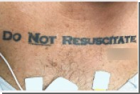 Американцу позволили умереть из-за татуировки