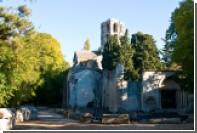 Gucci покажет новую коллекцию на заброшенном кладбище