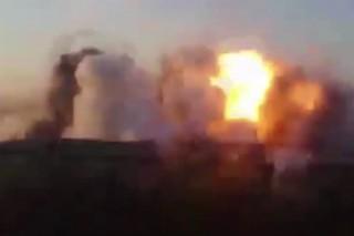 Точный удар авиабомбой КАБ-1500 по боевикам попал на видео