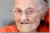 94-летнюю американку силой выгнали из дома престарелых и заковали в наручники