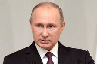 Путин простил долги россиянам