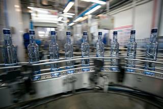 За каждой бутылкой водки в России будут следить с помощью блокчейна