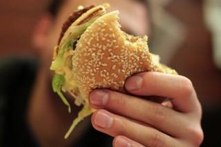 «Макдоналдс» заставили сжать бургеры