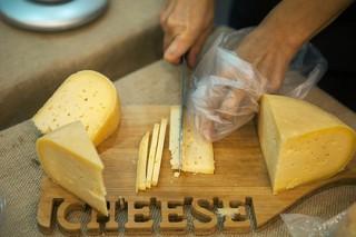 Сыр оказался полезным для сердца