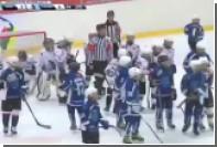Дети-хоккеисты устроили на матче «натуральное месилово»