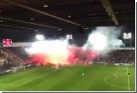 Польские фанаты устроили огненную войнушку