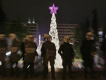 В новогоднюю ночь в Афинах подожгли десять банков и два автосалона