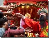 Наступил 4707 год / Безумие новогоднего Китая