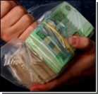 В магазинах рассчитываются… сувенирными деньгами