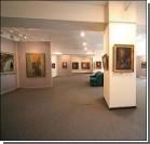Художник обнаружил на выставке подделки своих картин