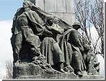 Кишиневские власти намерены убрать с одного из проспектов памятник героям-комсомольцам