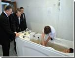 Ющенко посетил черниговскую больницу и понаблюдал за голой женщиной