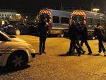 В первую ночь нового года во Франции сожгли 1137 машин