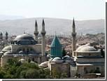 В Турции сильный ветер сдул верхушку минарета
