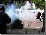Протестующих в Тунисе разогнали газом