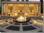 Городская опера Нью-Йорка найдет артистам замену