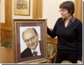 Губернатора Мишарина начали поздравлять с днем рождения: премьер прислал телеграмму, а свердловчанка - портрет из бисера